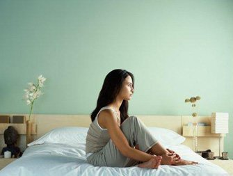qui parle de solitude feuilleton. Black Bedroom Furniture Sets. Home Design Ideas